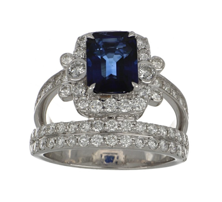 Blue Sapphire Ladies Ring (Blue Sapphire 2.75 cts. White Diamond 1.31 cts.)