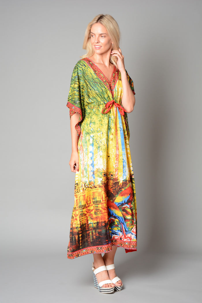 Ladies Parrot and Peacock Print Kaftan (Pack of 20) £3.00 Per Garment