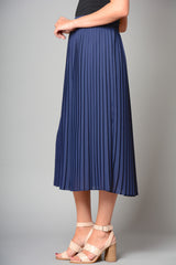 "Ladies Fully Lined 33"" Length Pleated Skirt (Pack of 8) £8.50 Per Garment"