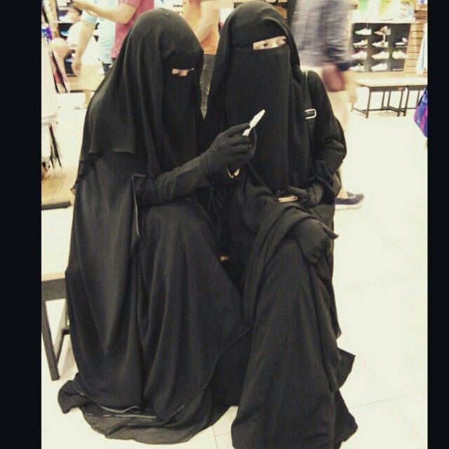 Wearing Abaya Is Fun and heaven for lazy!