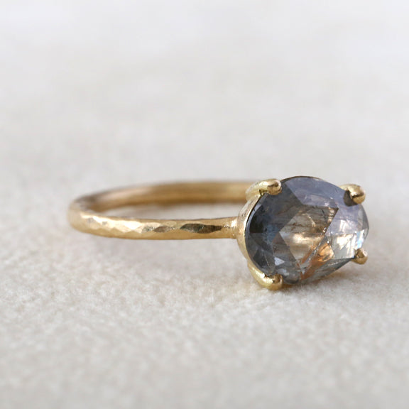 2.23ct blue Sapphire Ring