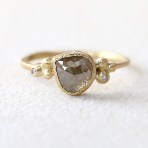 1.04ct Grey diamond ring