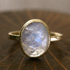 4.58ct rainbow moonstone ring