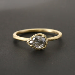 0.6ct  fancy grey diamond ring