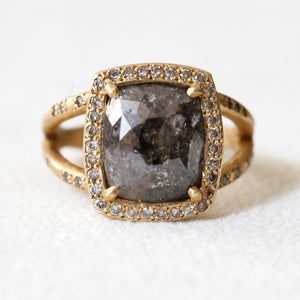 4.81ct black / dark brown diamond ring