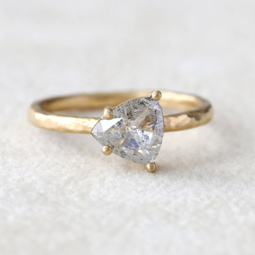 0.90ct salt & pepper diamond ring