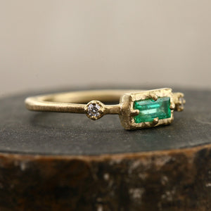 Bouquet ring / Emerald