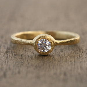 4mm diamond ring