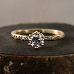 6-prong ring / 0.5ct