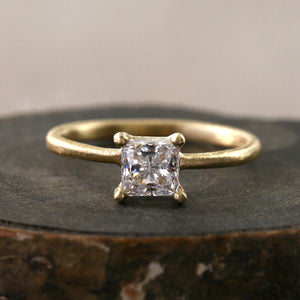 Princess cut diamond ring / 0.5ct