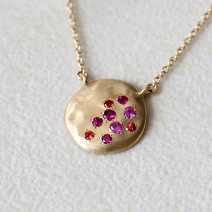 Dew large disc necklace with Ruby / sapphire