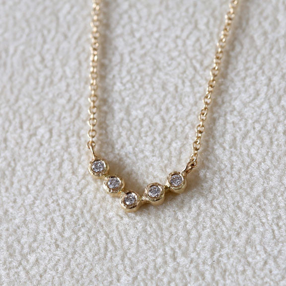 5 bezel diamond necklace