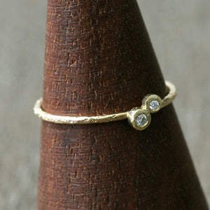 1.3 / 1.5 mm diamond textured ring , tilt