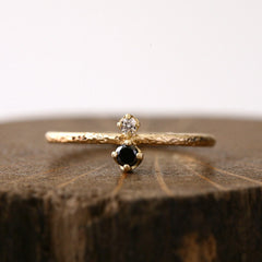 Double prong textured ring