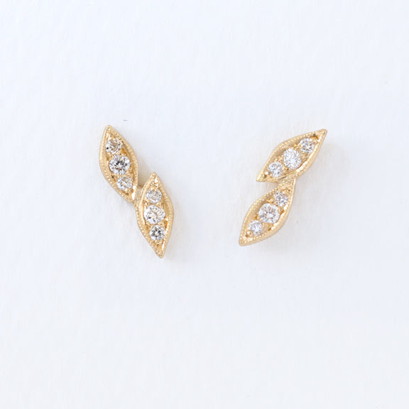 Double leaf studs