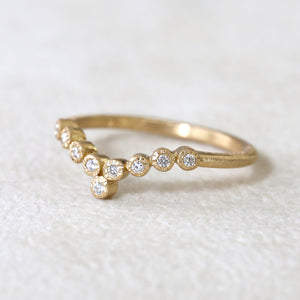 9-bezel curve ring