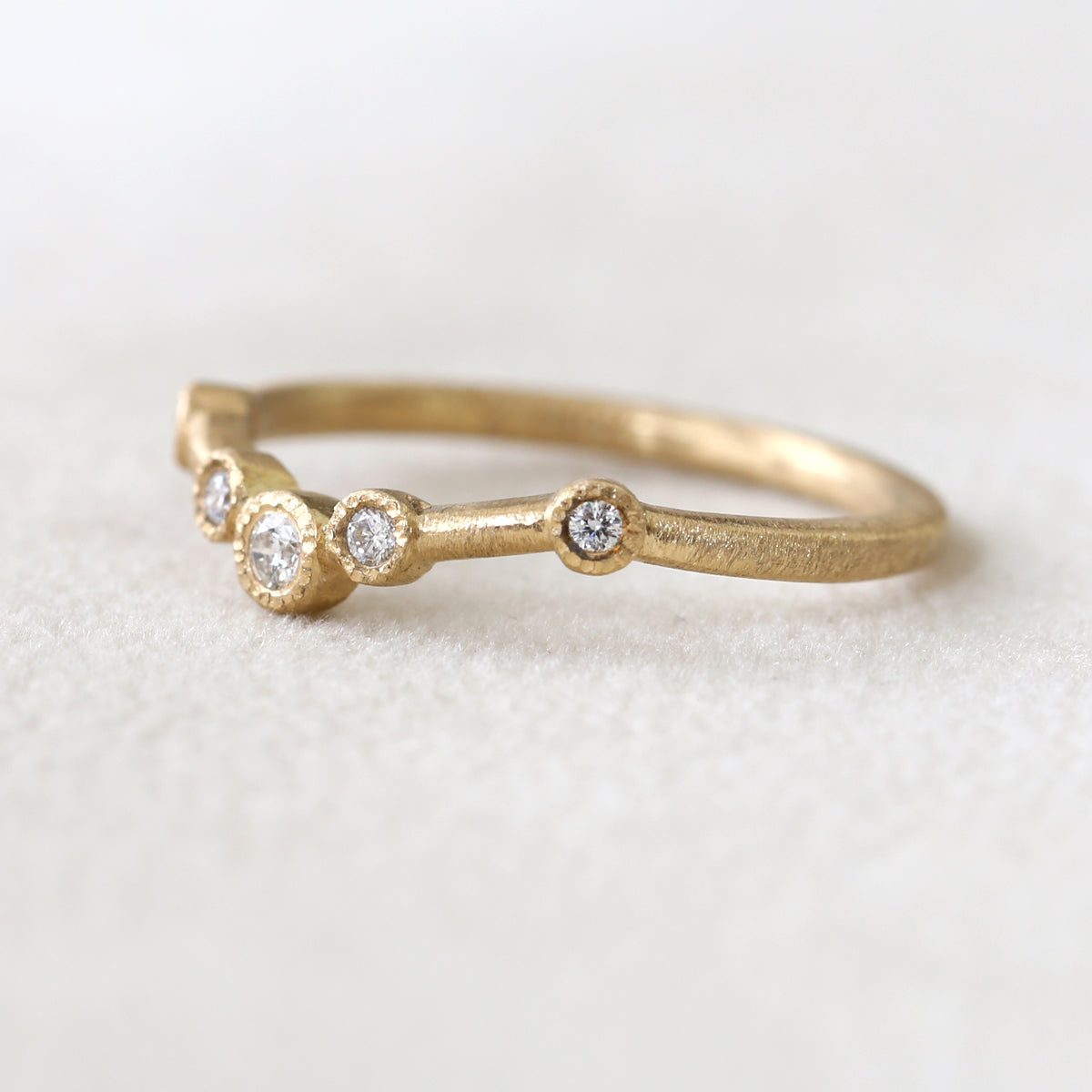 5-bezel curve ring