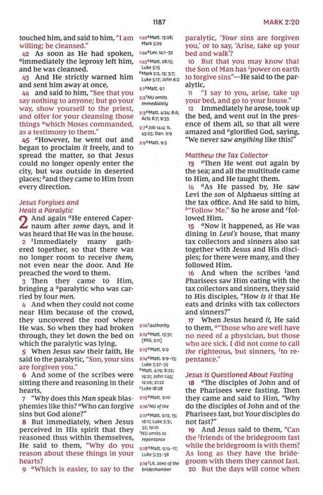 NKJV Classic Verse-by-Verse Center Column Reference Bible Black Leathersoft Indexed