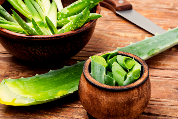 Best ingredient to reduces acne: Aloe Vera