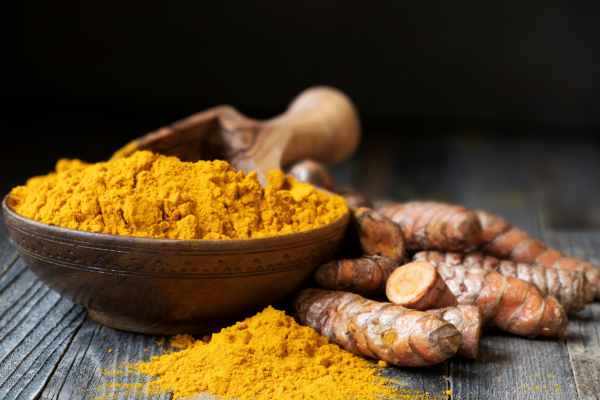 7 benefits of haldi/turmeric for skin