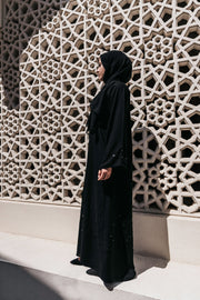 Open Abaya Marwa Editorial