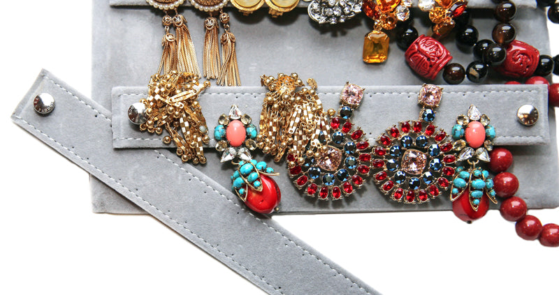 Choosing the Best Jewelry Organizer For Travel!