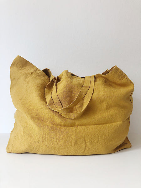 Linge Particulier Bag Medium Honey  100% washed linen   Dimensions: 43 x 33 x 14 cm  Made in Europe  Leinentasche Tasche honig gelb groß Perfekter Beutel für den Einkauf oder Urlaub 100% gewaschenes Leinen