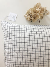 Load image into Gallery viewer, Linge Particulier Cushion Cover 50 x 50 cm white/black Checks