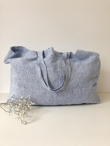 Linge Particulier Bag Medium Blue Thin Stripe  100% washed linen  Dimensions: 43 x 33 x 14 cm  Made in Europe Leinentasche Strandtasche Beutel groß blau mit weißen dünnen Streifen Perfekte Tasche für den Einkauf oder Strand