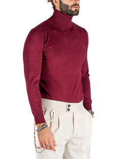 BURGUNDY BASIC TURTLENECK