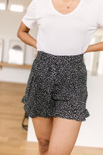 Short Leash Ruffled Shorts In Black
