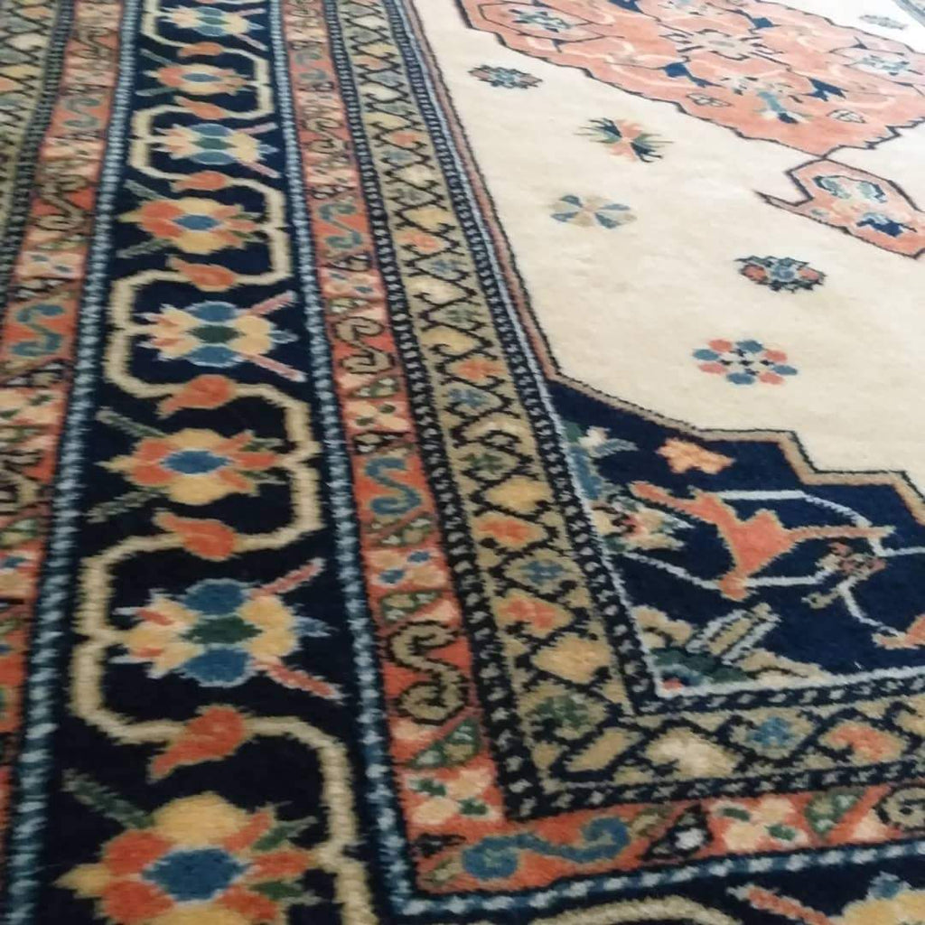 What is Persian Sultanabad Rug? - Nomads Loom