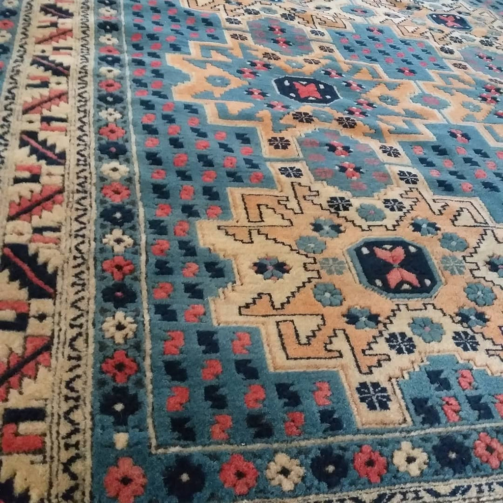 What is the Antique Prayer Rugs? - Nomads Loom
