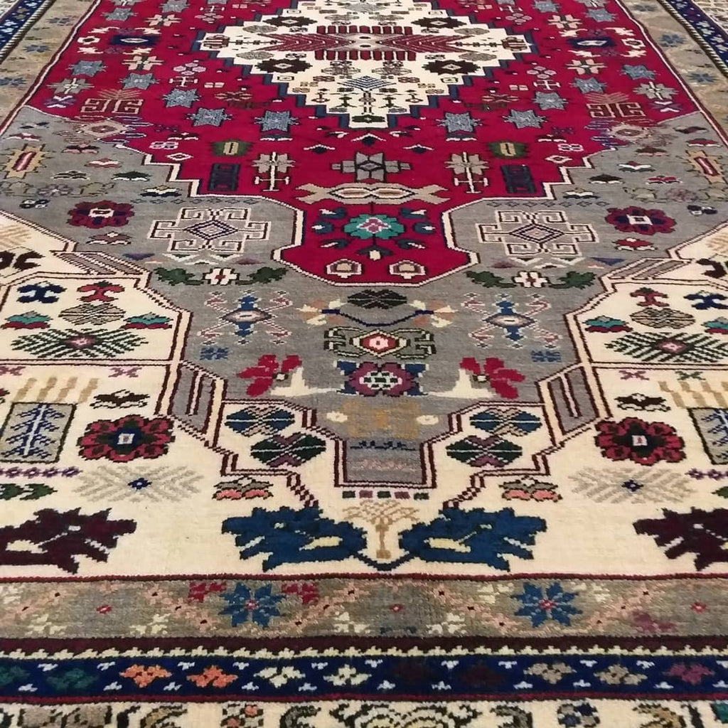How To Choose The Best Persian Antique Iran Tabriz Rugs - Nomads Loom