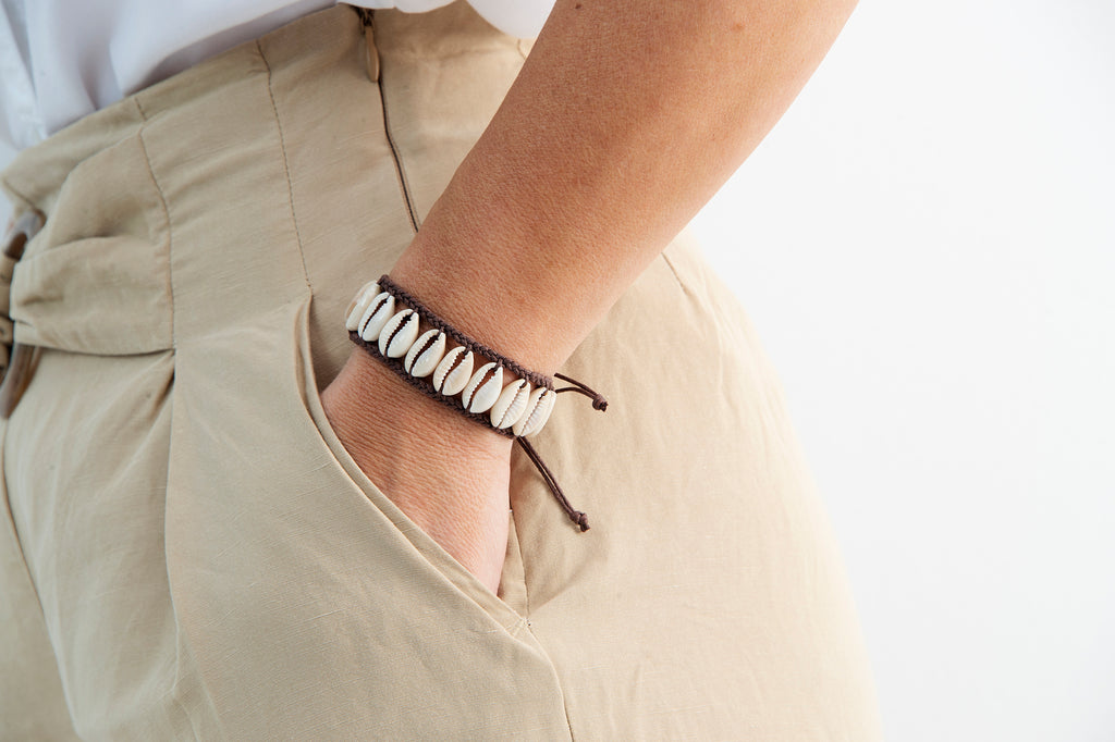 Shell bracelet - brown