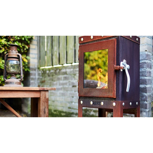 PIQUIA Outdoor Wood Stove Visible Bolts Nuts Traditional Industrial Garden Fire