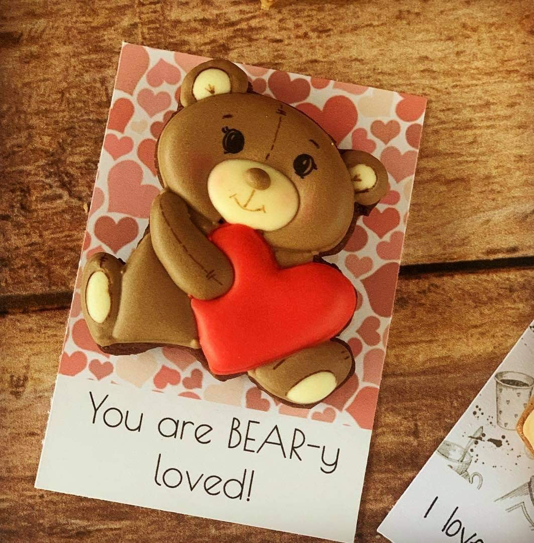 Very Vero Sweets by Design - Valentine Bear with Heart