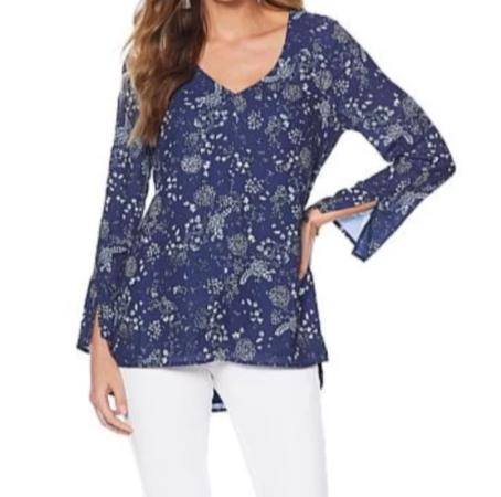 Lysse Slit Sleeve Navy Daisy Blouse