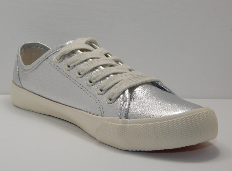 Universal Thread Women's Silver Mary Metallic Lace Up Sneakers