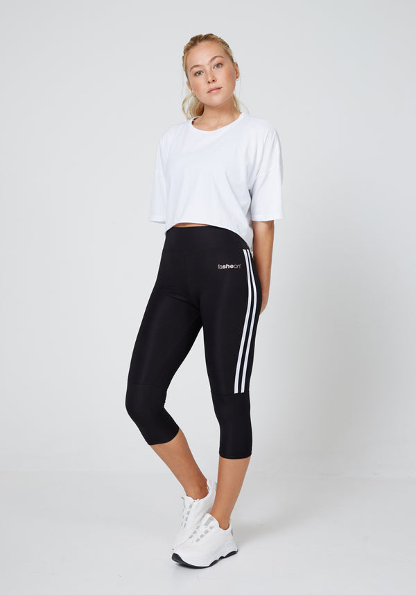 Full Look of Black Side Stripe Cropped Leggings