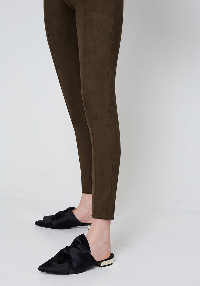 Hem Detail of Khaki Faux Suede Seam Front Leggings