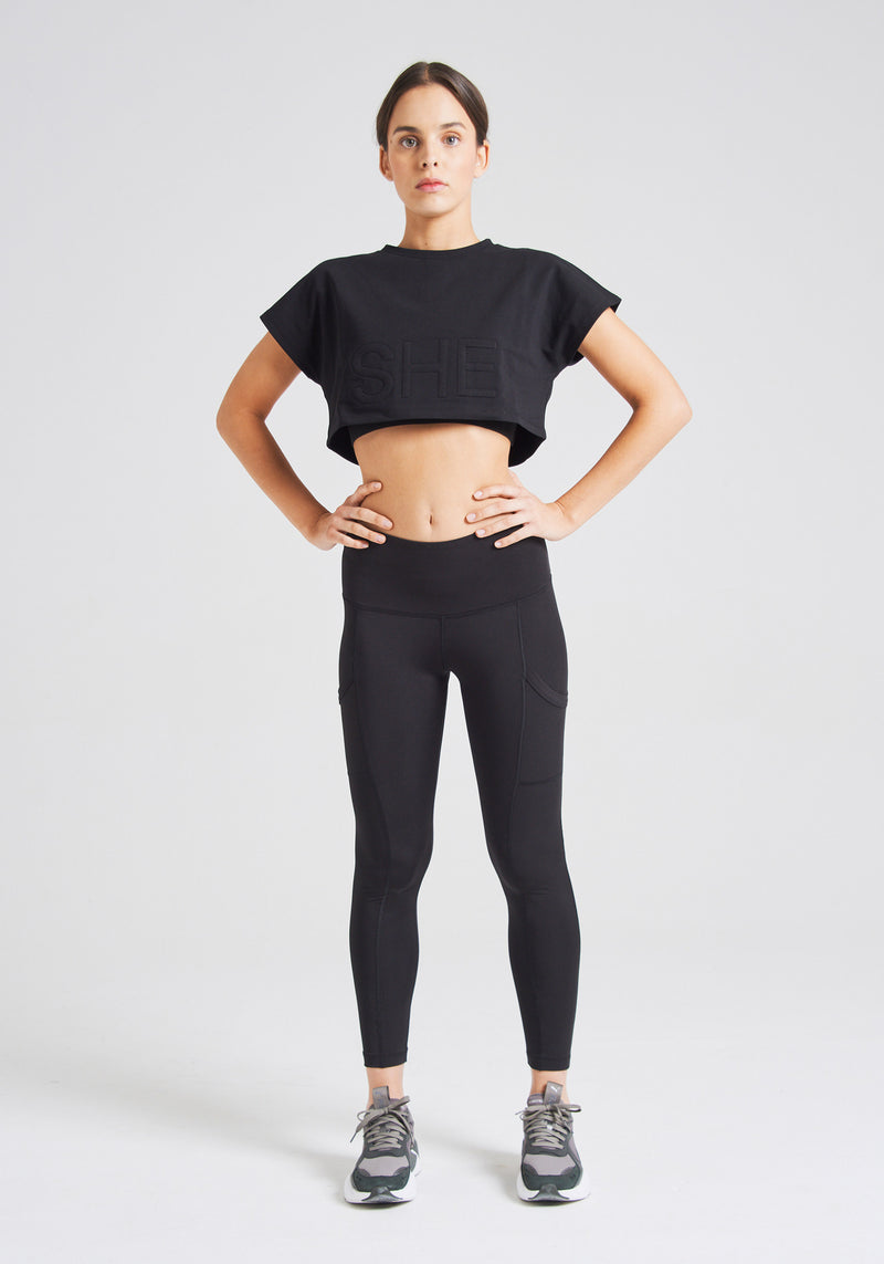 fasheon Black SHE Slogan Crop Top