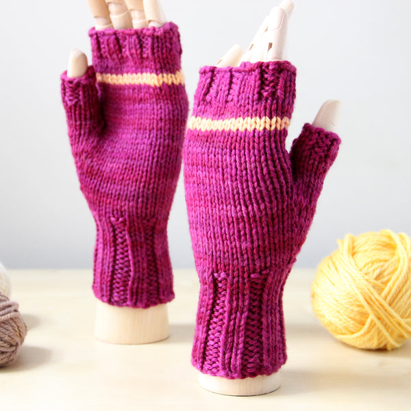 Last Chance KISS Mitts - Fuchsia