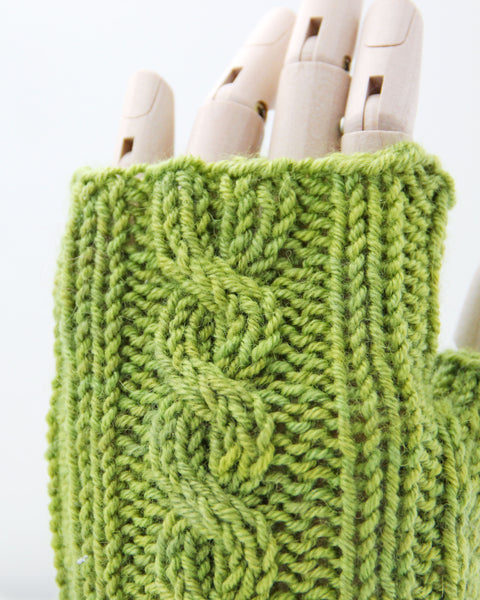 Cable Mitts - Avocado Green