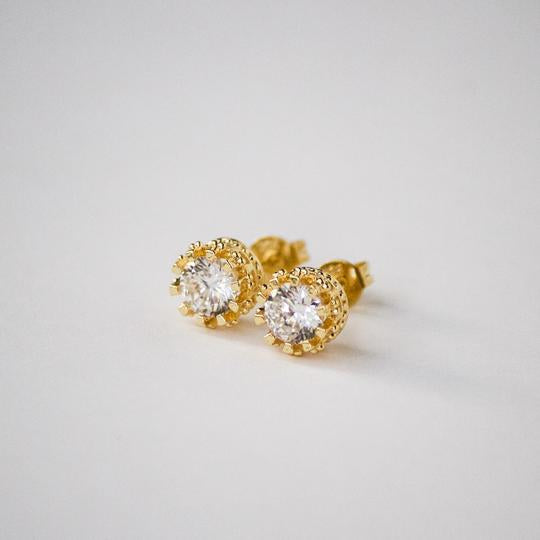 Crowned diamond earrings