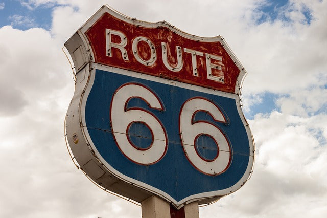 Classic Neon Signs to Look For When Travelling Along Route 66