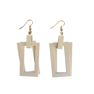 TIMBERLAND RECTANGLE EARRINGS (WHITE)