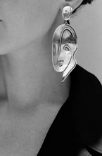 Load image into Gallery viewer, minimalist-jewellery-earrings