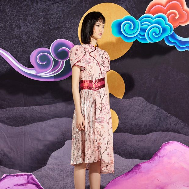 Mukzin Pleated Women Dress - Chaos of Mountains and Seas