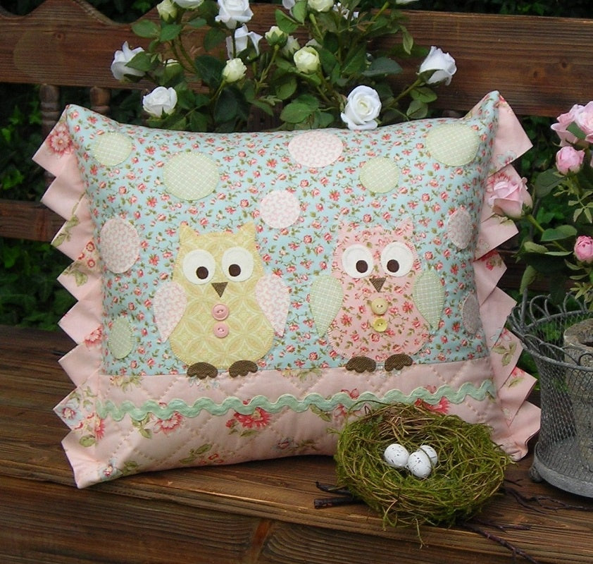 Two Hoots Cushion Pattern